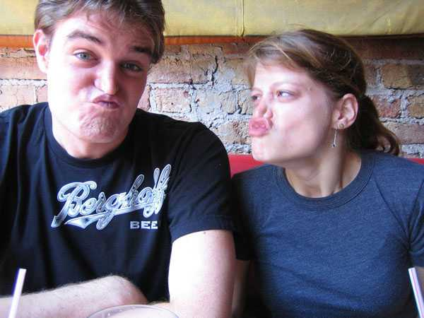 very funny couple face easy to know