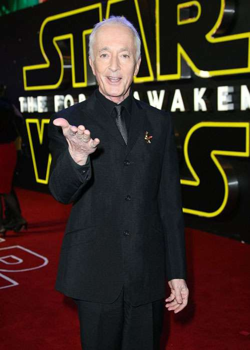 Anthony Daniels star wars the rise of skywalker photo