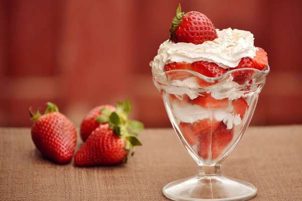 Strawberries and Cream anagram image