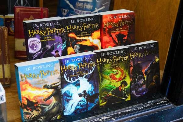 harry potter books store - potterhead quiz img