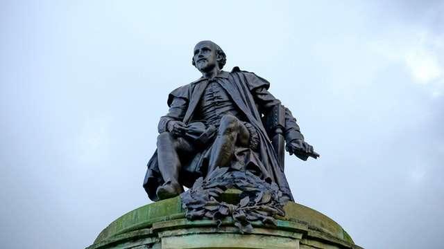 william shakespeare statue picture