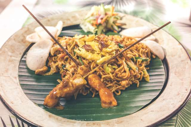 name all fast food restaurants quiz - noodle-dish-asian food image
