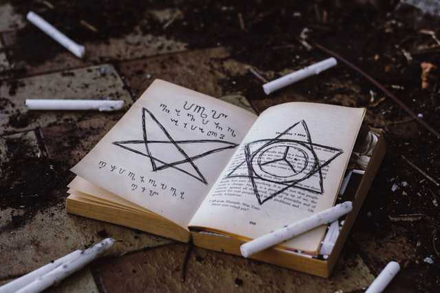 opened-book-witch wizard img