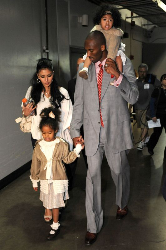 how well do you know kobe bryant familys photo