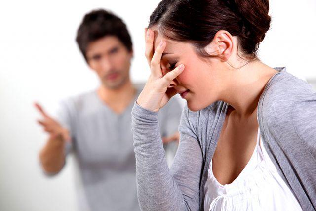 couple-having-disagreement